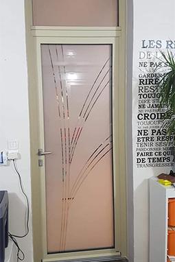 pose de menuiseries fos sur mer-fenetres aluminium-portes d'entree-volets roulants-verandas-stores et moustiquaires-menuiseries PVC-fenetres PVC